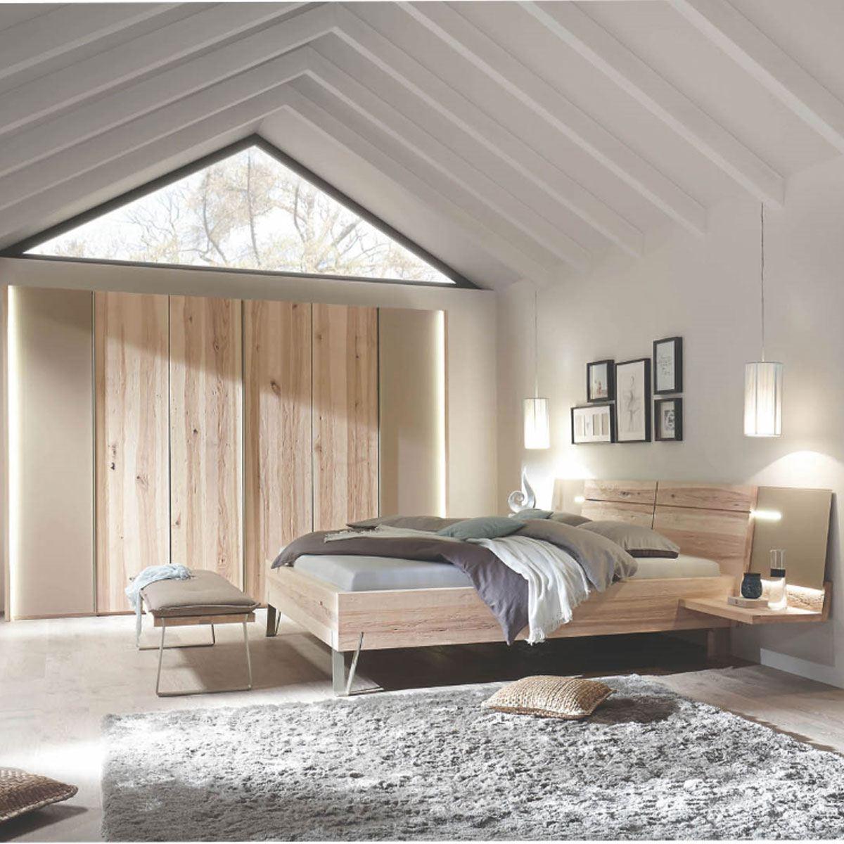 Thielemeyer Cubo Schlafzimmer bestehend aus Komfort-Liegenbett mit  Holzkopfteil und 10-türigen Kleiderschrank Holz Wildesche Absetzung  Colorglas taupe