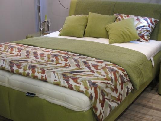 Nächtigen, Wie Auf Sanftem Moos Mit Oliv Als Naturlichem Farbton Für  Schlafzimmer
