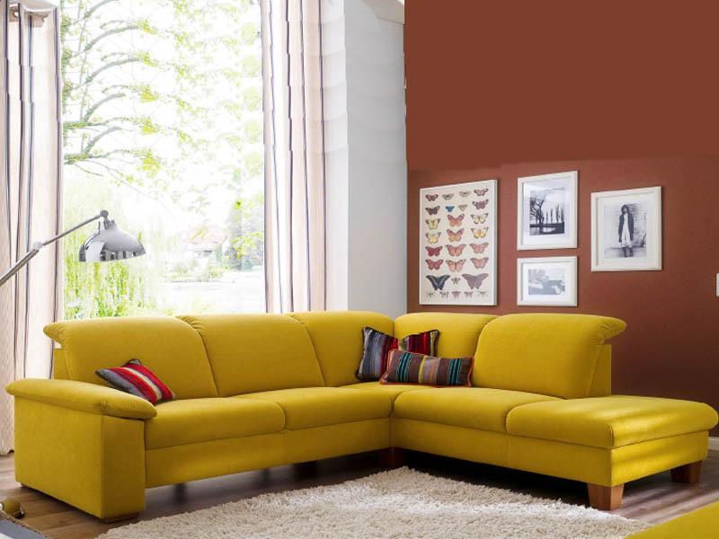 Im Bunten Farben Mix Gewinnt Gelb An Weiterer Natürlicher Strahlkraft.  Bunte Esszimmerstühle Verwandeln Das Esszimmer In Einen Regenbogen Raum